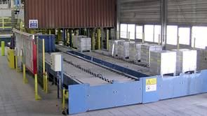 Storage conveyor for up to 32 bundles